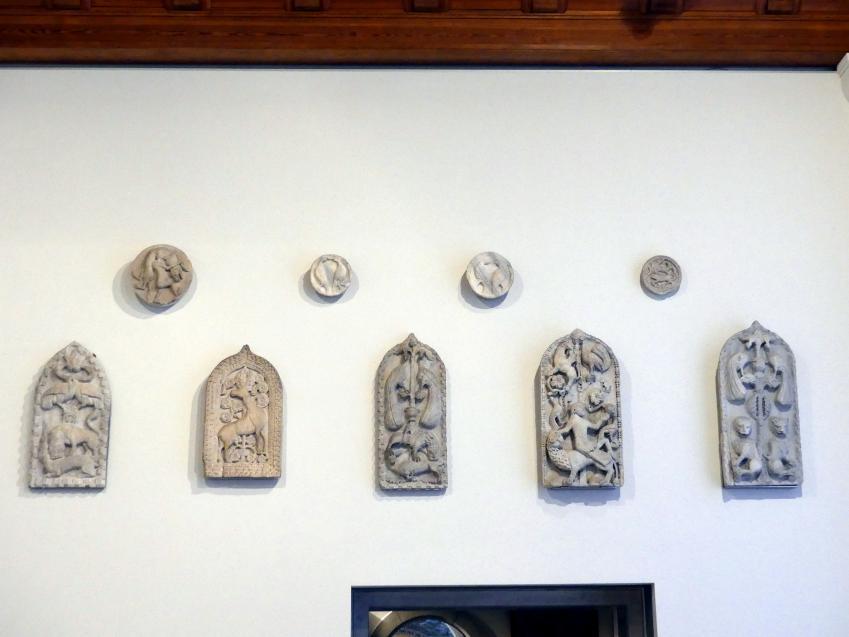Vier Patere und fünf Formelle, um 1100 - 1300