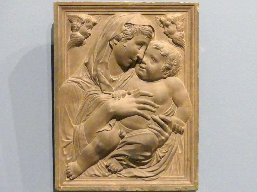 Donatello (Nachahmer): Madonna mit Kind und zwei Cherubinen, um 1500
