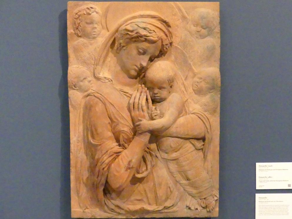 Donatello: Madonna mit Kind und vier Cherubinen, um 1440 - 1450