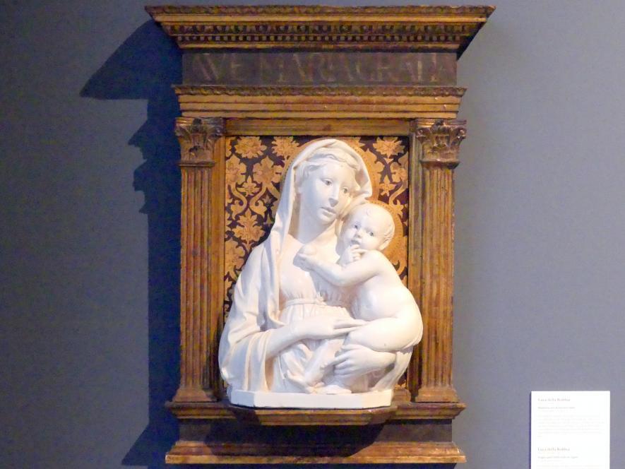 Luca della Robbia: Madonna mit Kind und Apfel, um 1450 - 1460