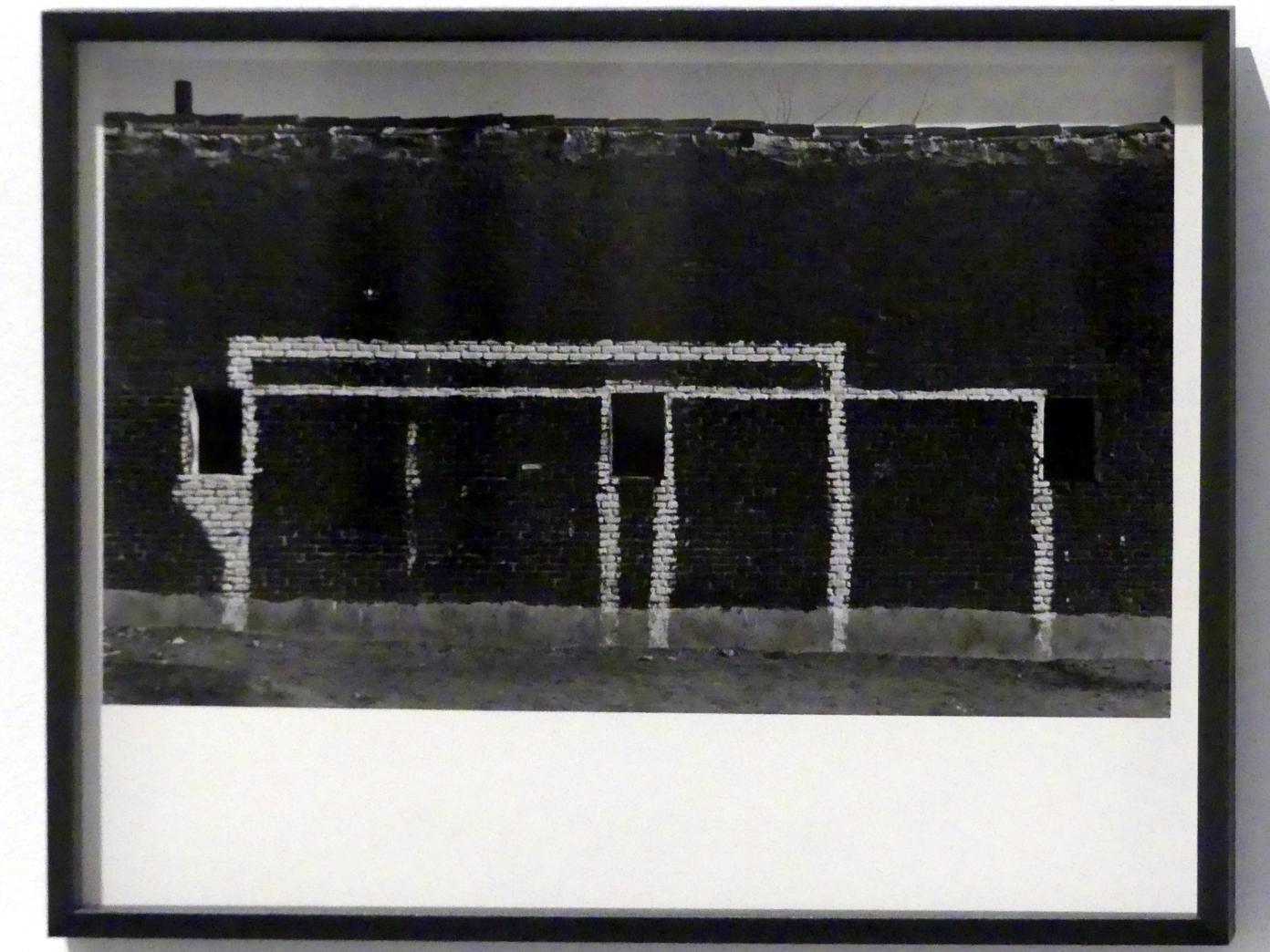 Francisco Gómez: Fußballtore an der Fassade, 1961
