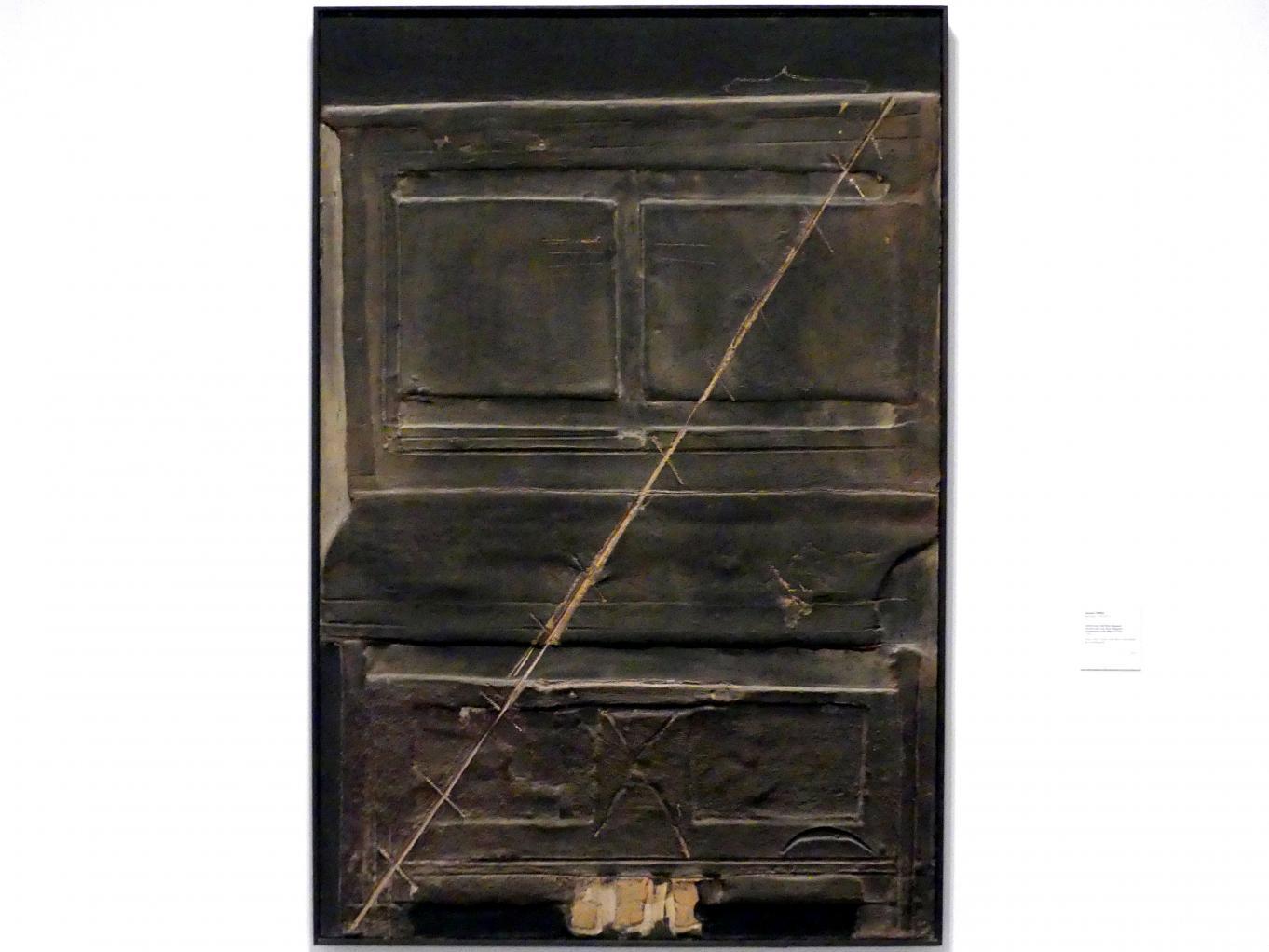 Antoni Tàpies: Konstruktion mit diagonaler Linie, 1966