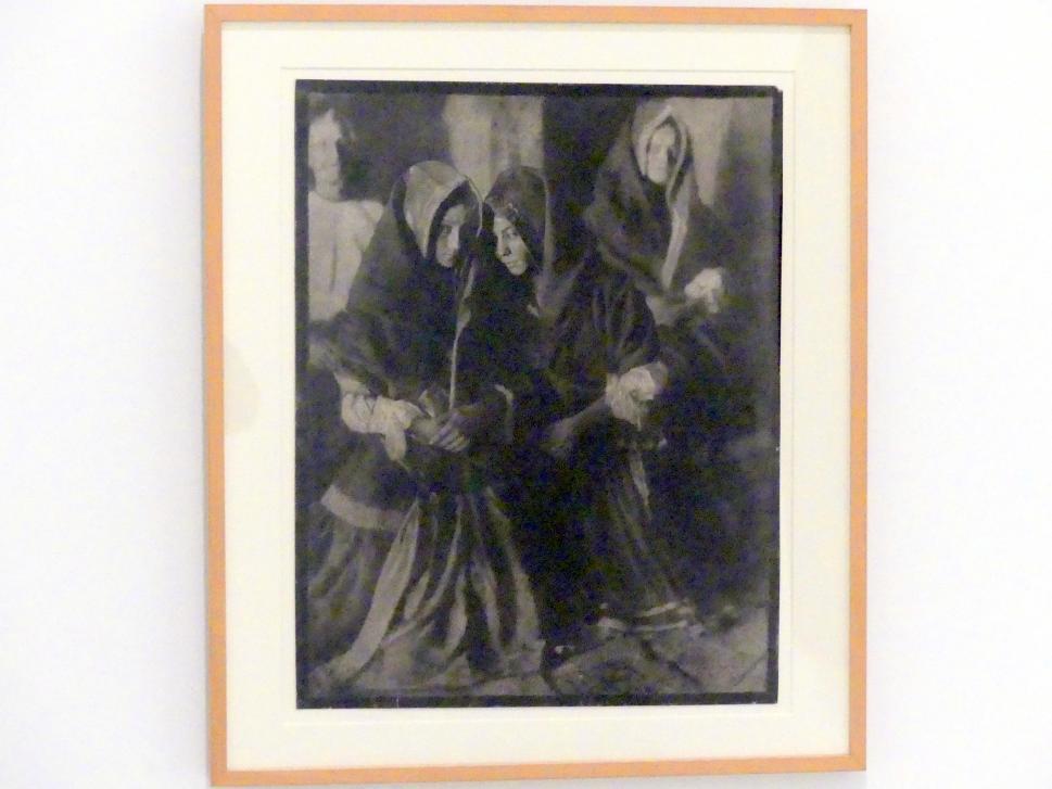 José Ortiz Echagüe: Frauen aus Lagartera bei der Messe, 1925