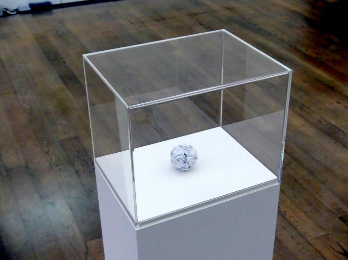 Martin Creed: Arbeit Nr. 301: A sheet of paper crumpled into a ball, 2003