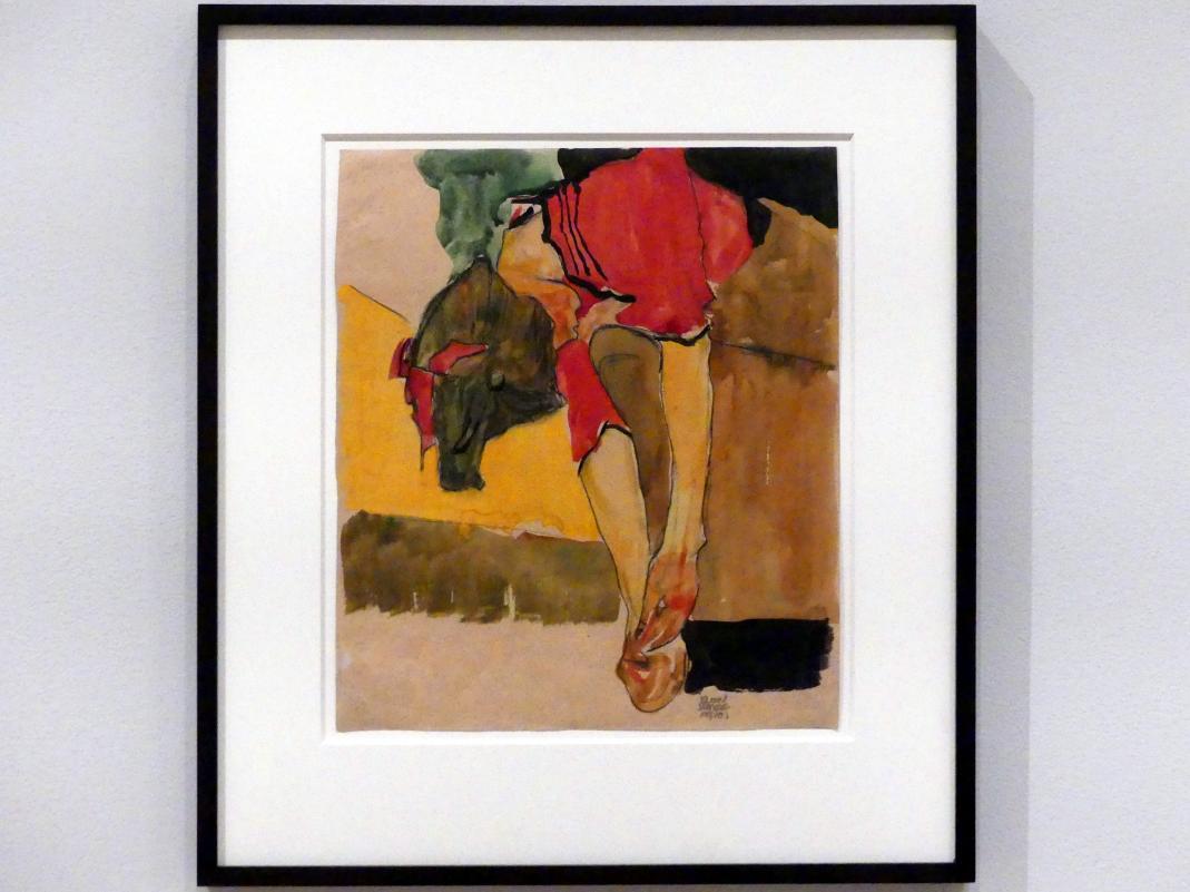 Egon Schiele: Schuhe Anziehendes Mädchen, 1910