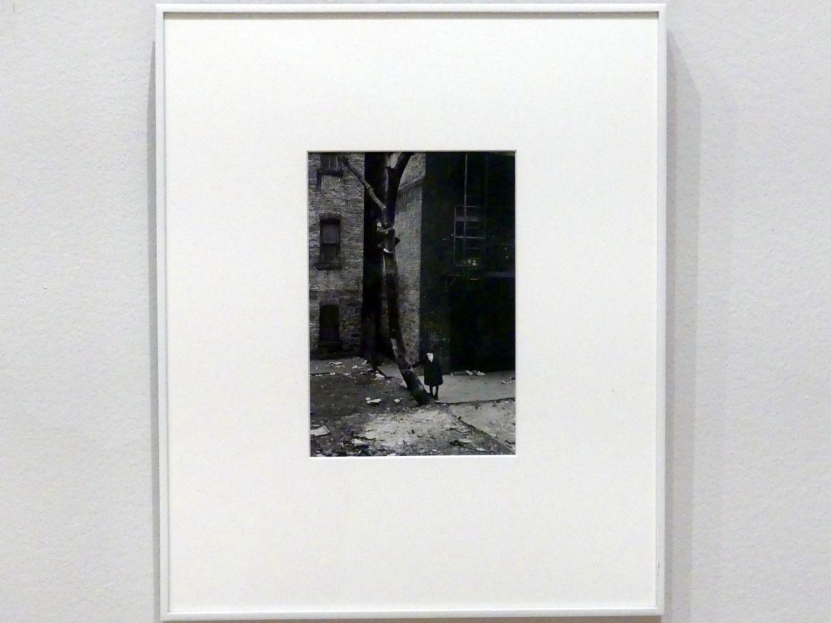 Helen Levitt: New York, 1938