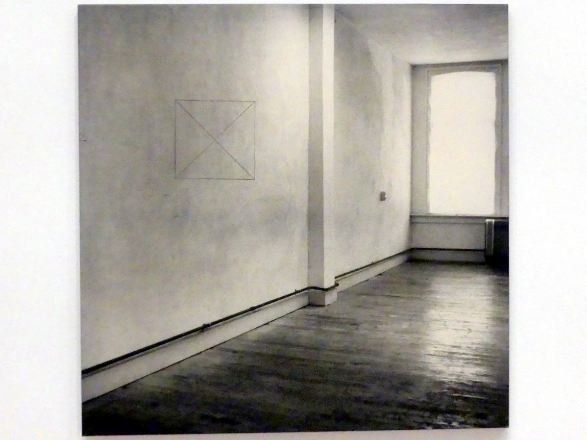 Jan Dibbets: Perspektivische Korrektur, Mein Studio I, 2: Quadrat mit 2 Diagonalen an der Wand, 1969