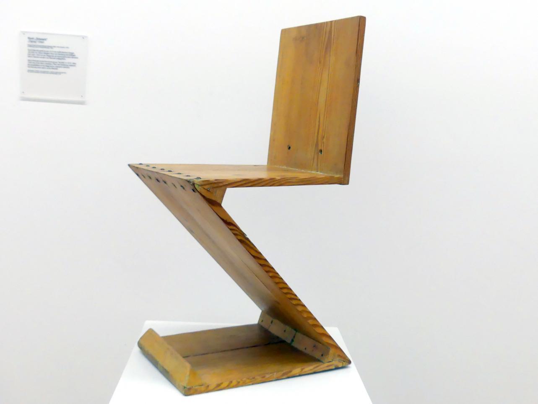 """Gerrit Rietveld: Stuhl """"Zickzack"""", 1934"""